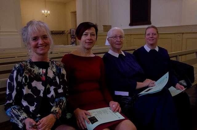 Pniël viert 65-jarig jubileum met diaconessen en Elise Mannah