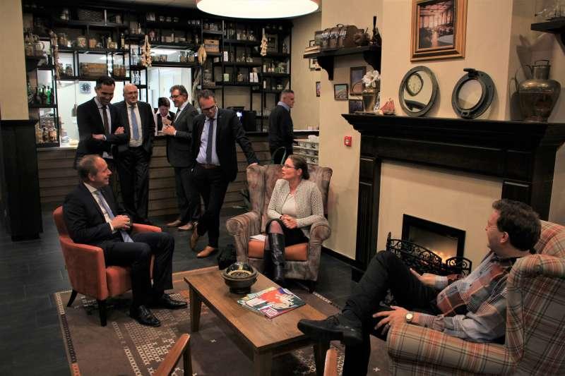 Curadomi Katwijk deelt ervaring thuiszorg met Kees van der Staaij