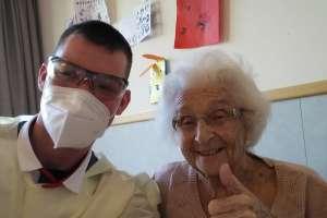 Verpleegkundige Harm Rietveld vertelt over de corona uitbraak in Pniel