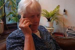 Lintje voor Lies van der Kraan voor vijftig jaar werk in de zorg